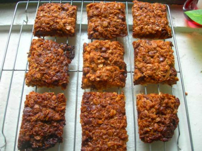 Granola bars, Granola and Chocolate chips on Pinterest