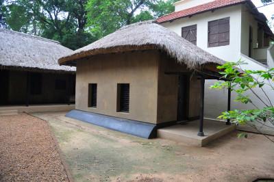 File:Eastern Cottage - Natun Bari Complex - Santiniketan 2014-06-29 ...
