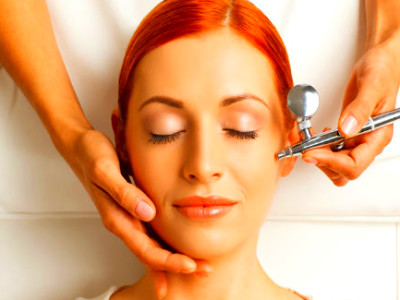 10 Types Of Facial According To Your Skin Type And Concern - Boldsky.com