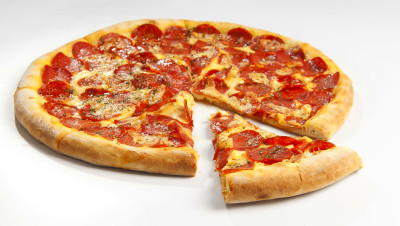 Indiana pizza shop that won't cater gay weddings to close