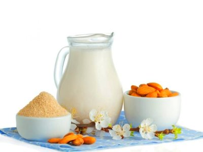 Health Benefits of Almonds   Organic Facts