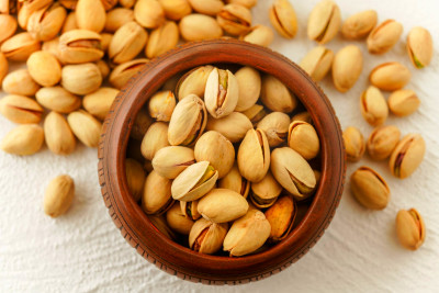 How Pistachio Nuts Help Reduce Cholesterol