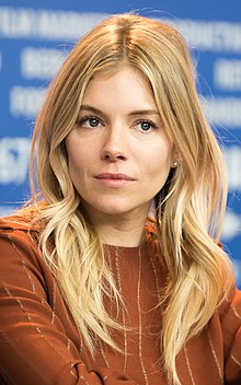 Jude law sienna miller movie