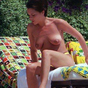 Victoria Beckham Topless Nude Sunbathing Photos