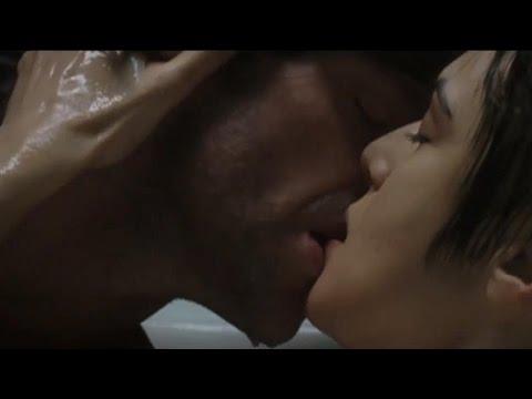 Celebrities kissing videos