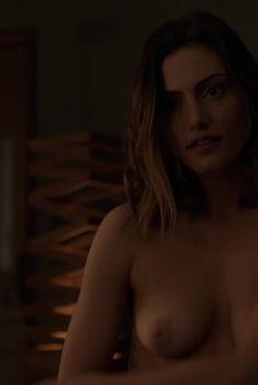 Сочные сиськи Линдси Лохан в черном бикини, 12.08.2012