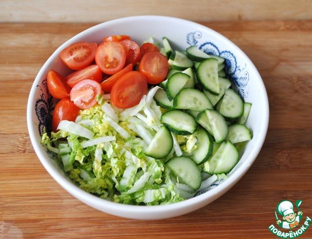 Зимний салат из капусты с помидорами