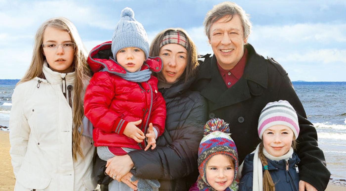 Семья и дети Михаила Ефремова фото