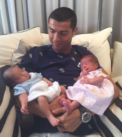 Cristiano ronaldo son mother pictures