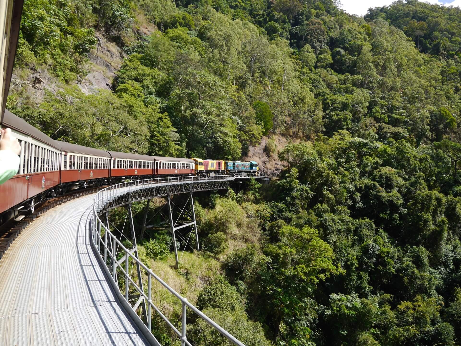 ケアンズまでの鉄道の旅