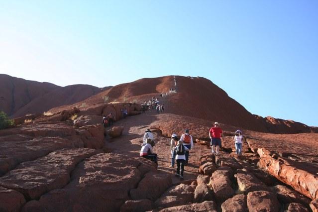 ウルル登山に挑戦