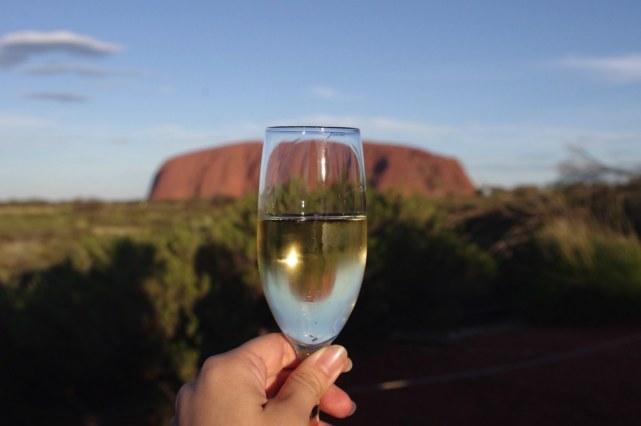 スパークリングワインで乾杯
