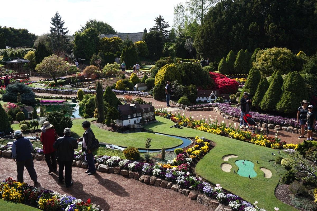 (オプション)Cockington Green Garden