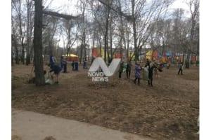400 ульяновцев вышли на городской субботник и заработали сладости