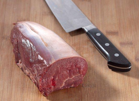 Свежее сырое мясо