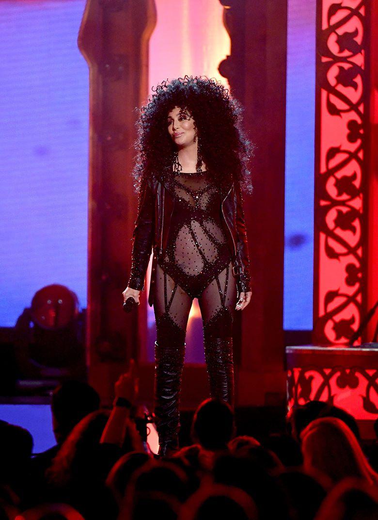Выступление Шер на церемонии вручения музыкальной награды Billboard Music Awards в Ти-Мобайл Арене, Лас-Вегас, 21 мая 2017 г.