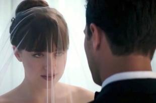 """Джейми Дорнан и Дакота Джонсон """"поженились"""" в новом трейлере фильма """"Пятьдесят оттенков свободы"""""""