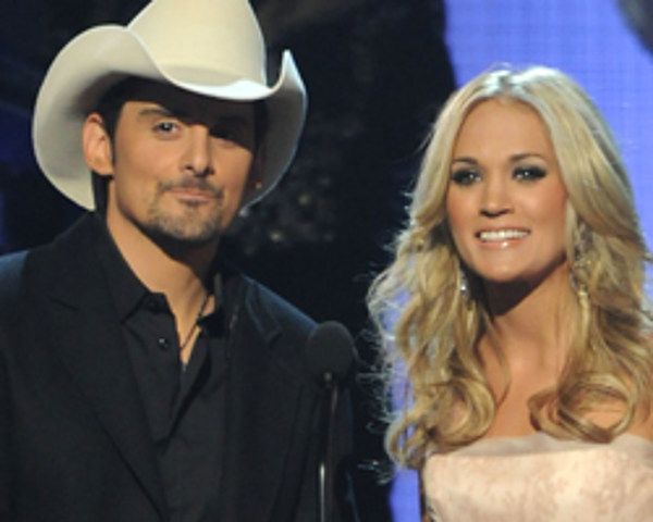 Carrie underwood at cma awards 2011