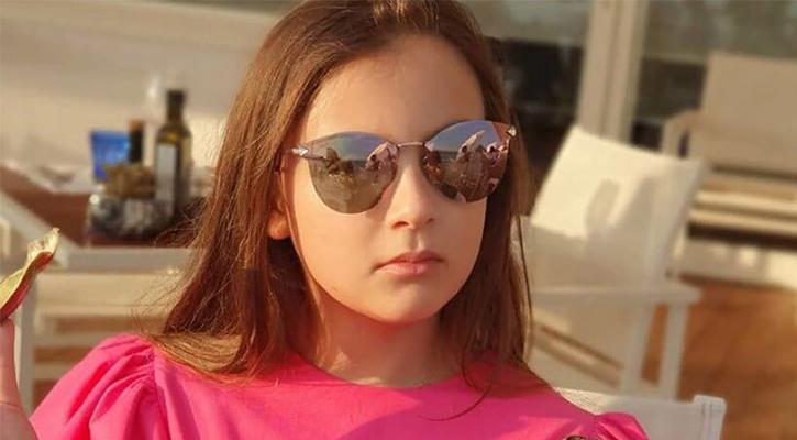 Дочь певца Иванна в очках