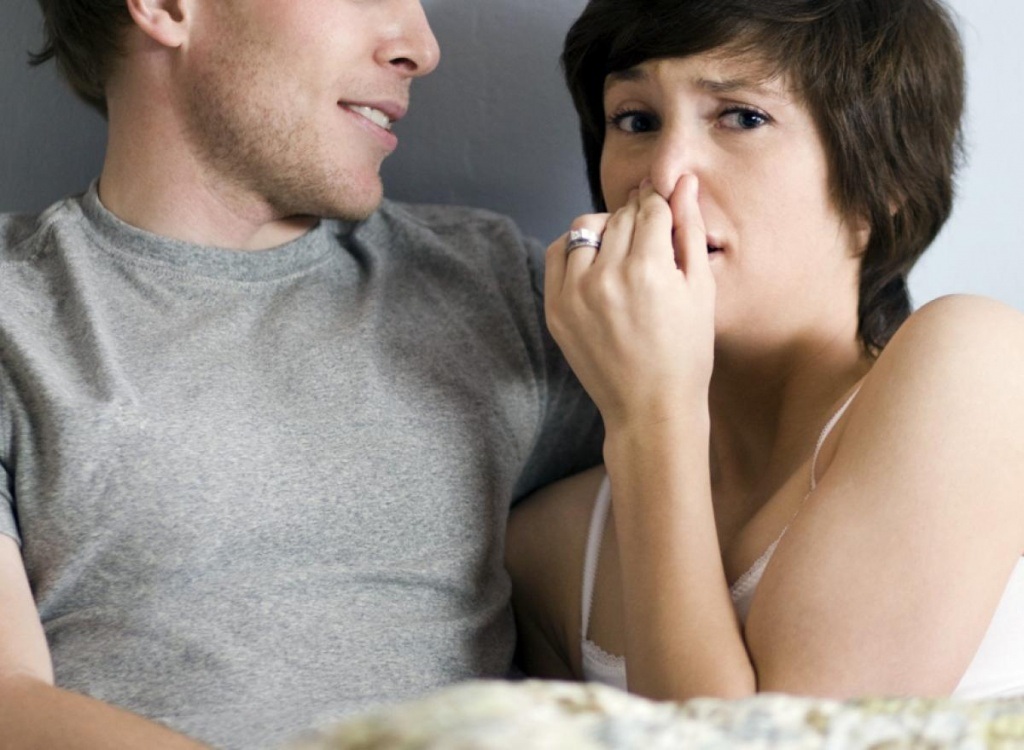 woman-turned-off-by-man-smell.jpg