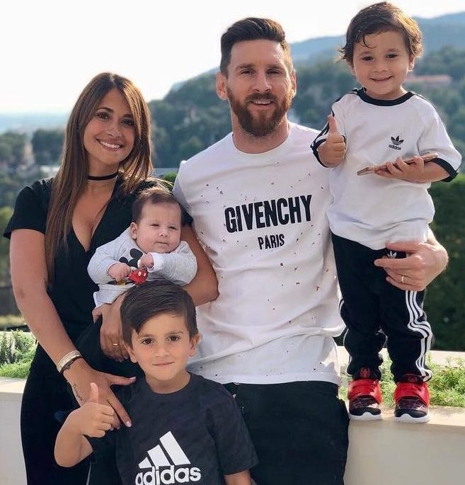 Messi with wife Antonella Roccuzzo and their family
