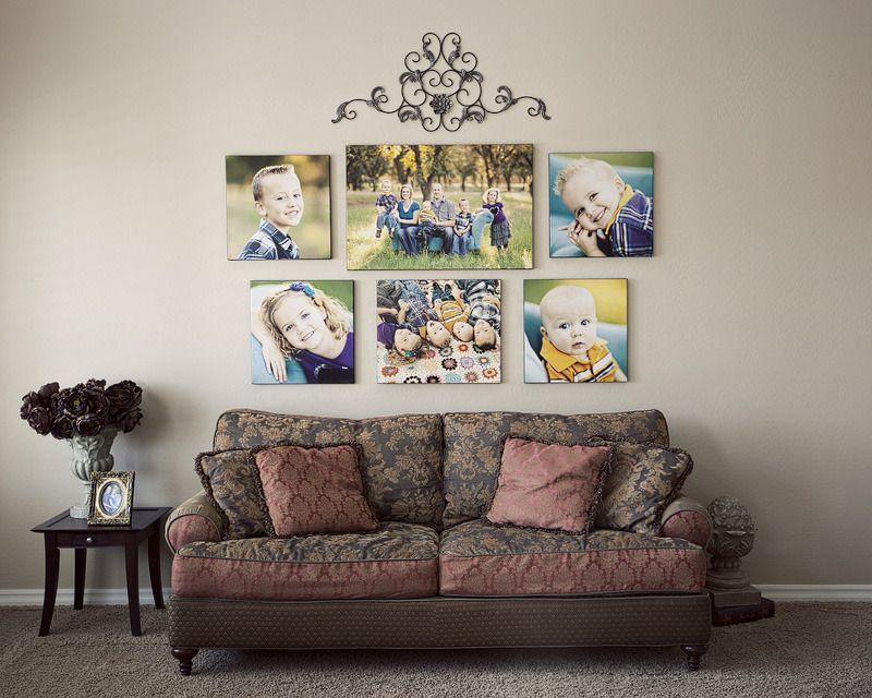 Снимки без рамок в интерьере гостиной