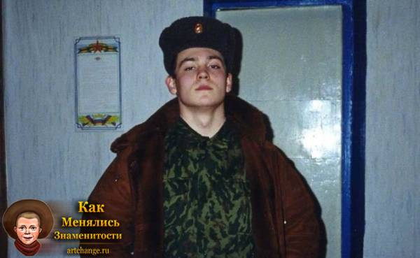 Эрик Давидыч (Китуашвили) в молодости, в армии