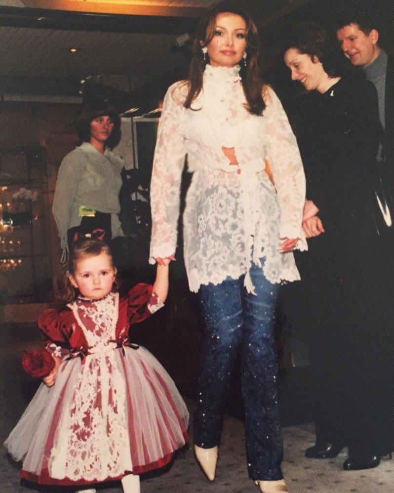 90 фото Антона Макарского, жены Виктории Морозовой Макарской, их детей