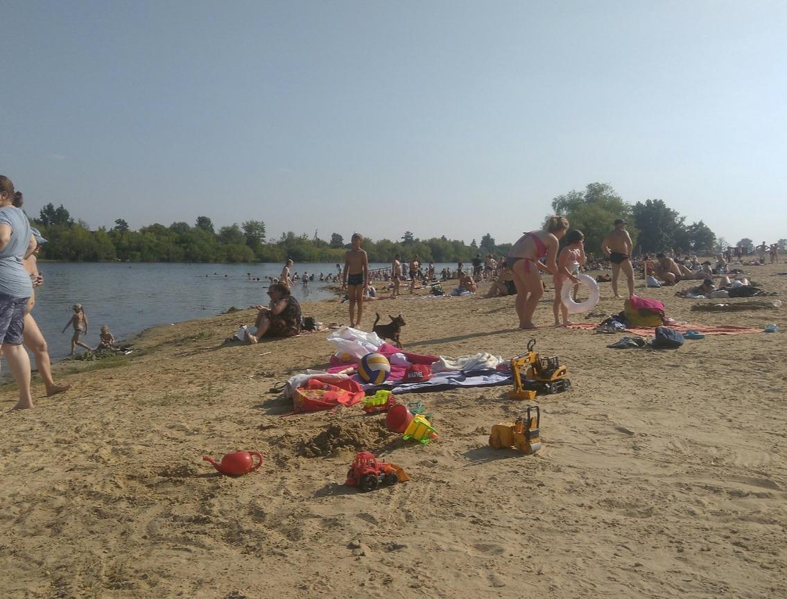 На Голубых озерах и пляже на бульваре Солнечном снова можно купаться