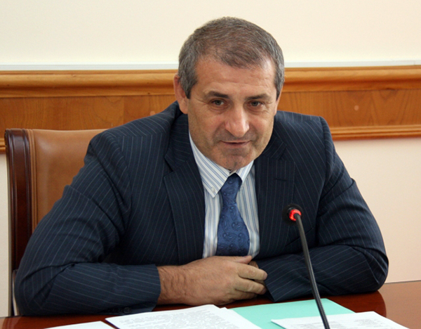 Р. Газимагомедов