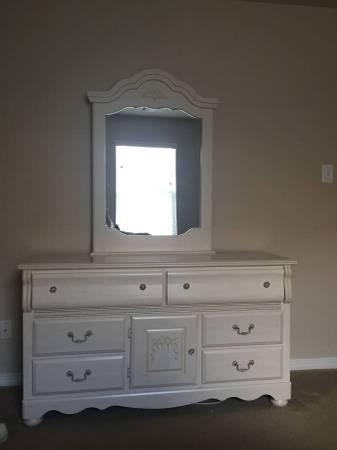 Kathy ireland home bedroom furniture