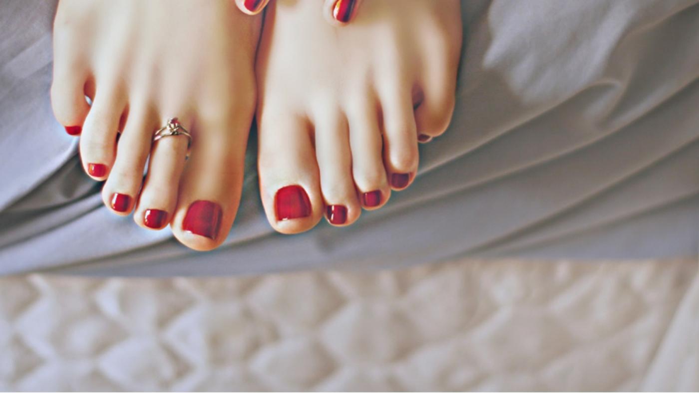 Do broken toenails grow back