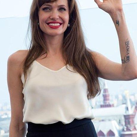 Анджелина джоли сколько лет сейчас 2017
