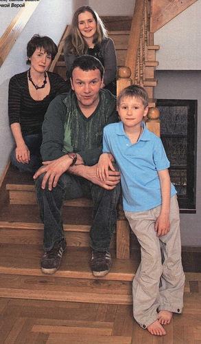 Александр наумов актер с женой фото