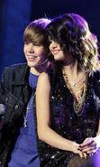 Скачать бесплатно картинку 22780: Артисты, Девушки, Селена Гомес (Selena Gomez), Люди, Мужчины, Музыка на телефон. Скачать заставки, картинки, обои на телефон бесплатно.