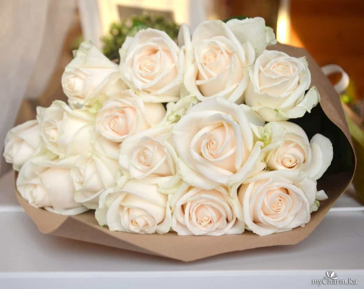 К чему снятся букеты красных роз