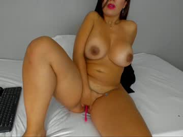holly_lucky's chat room