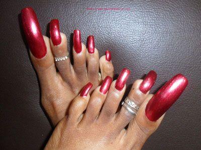 Long toenails women