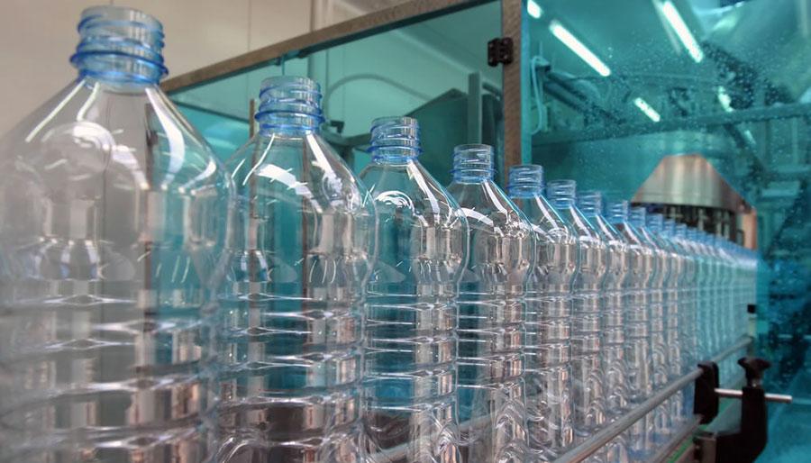 пластиковые бутылки фотография