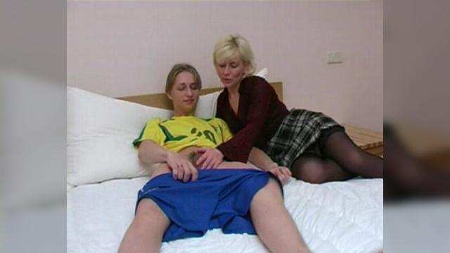 Жесткий секс с мачехой