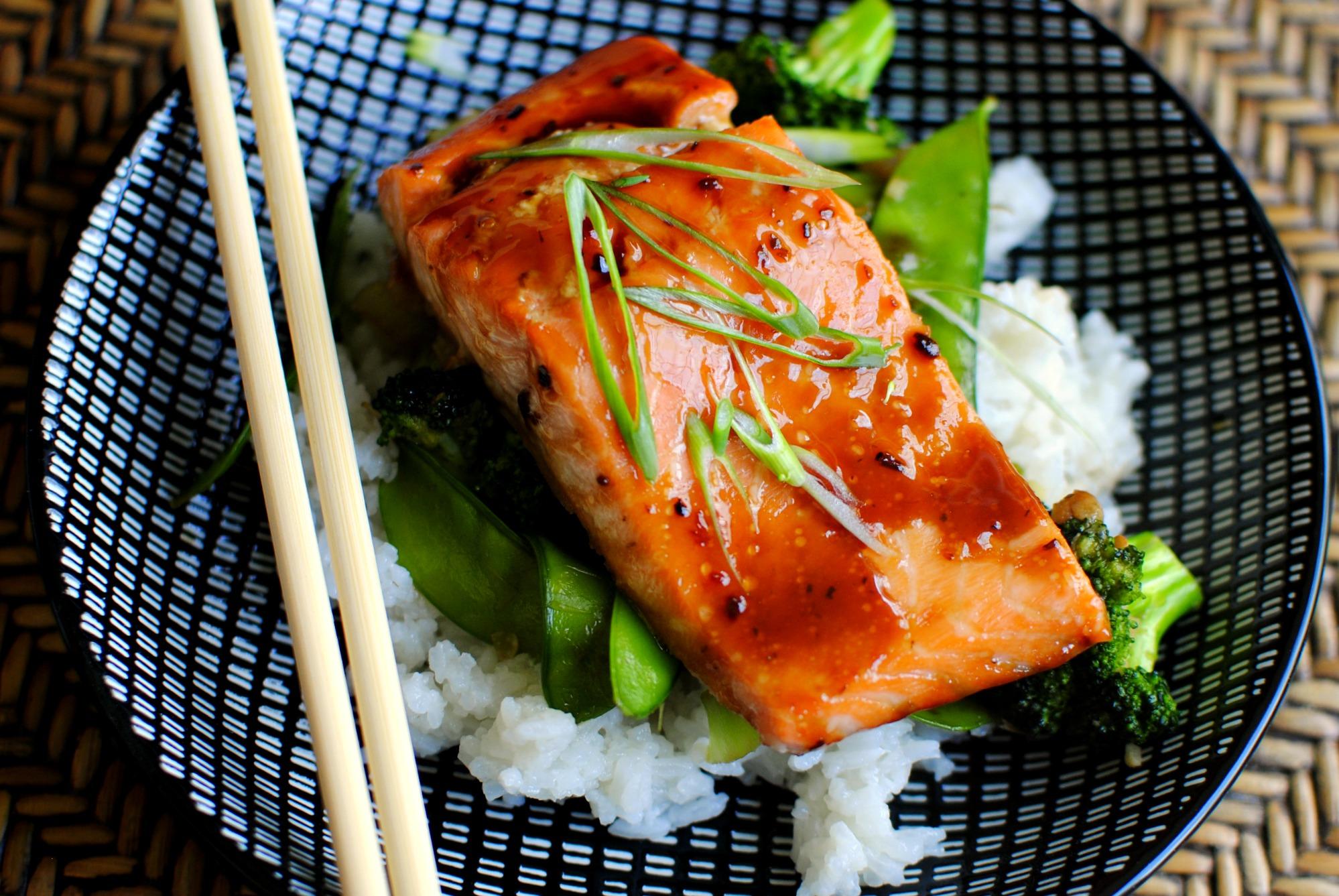 Рецепт запечь лосось в духовке в фольге