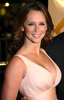 Jennifer love hewitt smokes