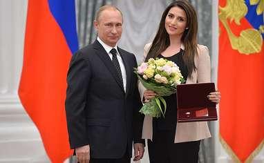 Вручение Жасмин звания Заслуженный артист Российской Федерации Владимиром Путиным