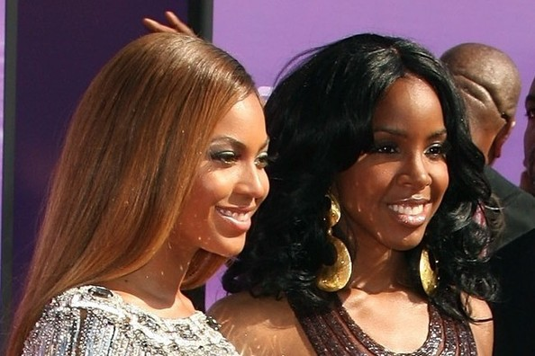 Is kelly rowland beyonce sister