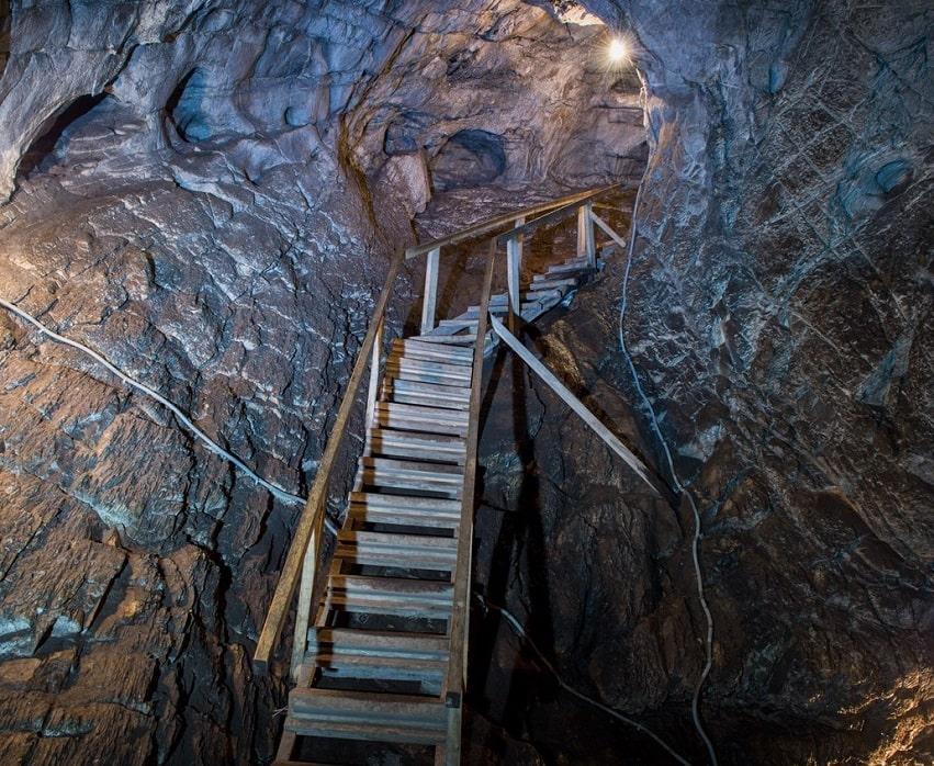 Тавдинская пещера внутри
