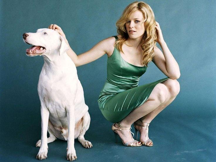 Elizabeth Banks with Dog