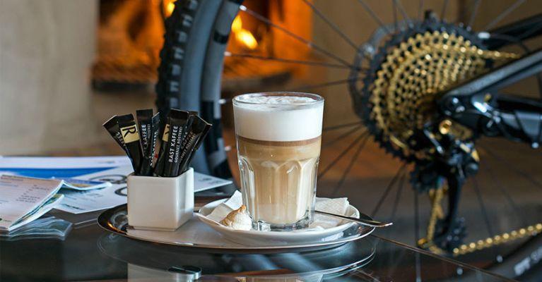 Mit dem Bike auf einen Kaffee? Wieso nicht?!