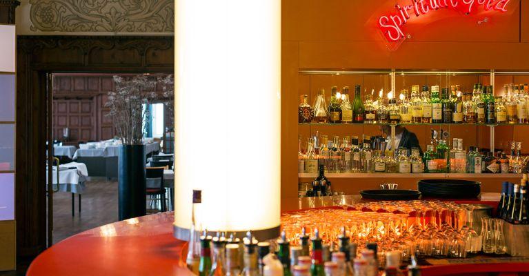 Rote Bar von Pipilotti Rist
