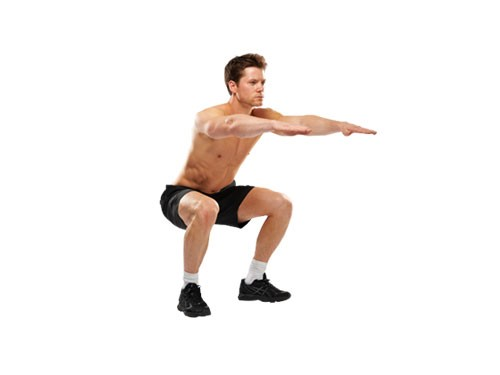 learn how to do a free squat at tranceformfitness best fitness club in Pune