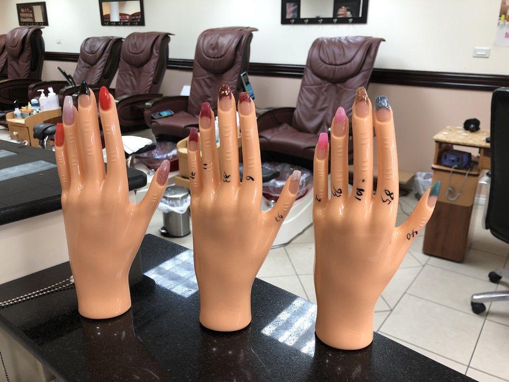 California nails wellington fl